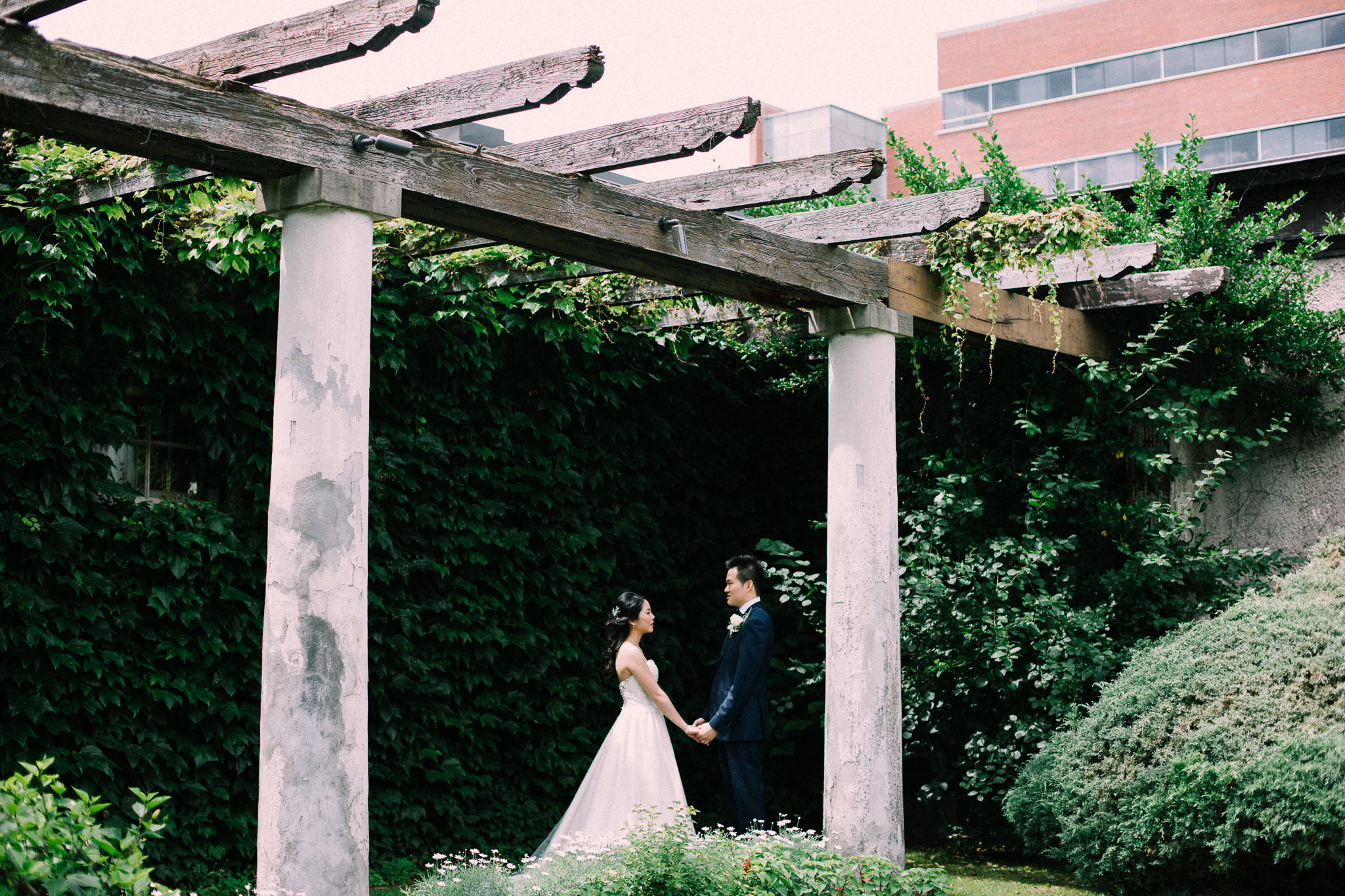 Oshawa summer wedding at Parkwood Estate by Max Wong Photo (21)