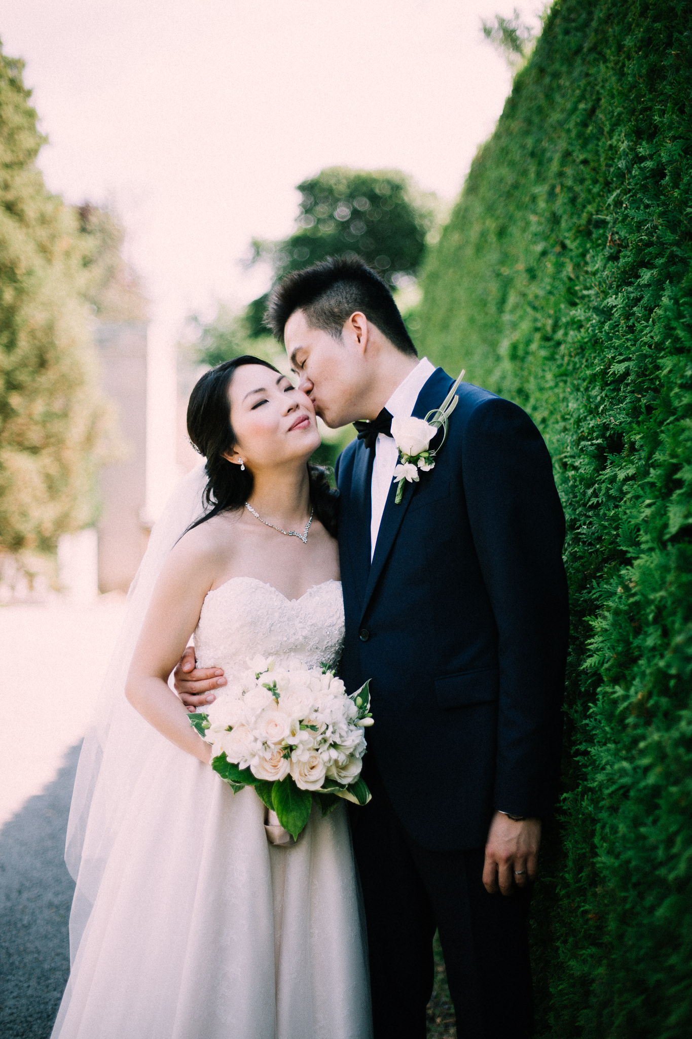 Oshawa summer wedding at Parkwood Estate by Max Wong Photo (26)