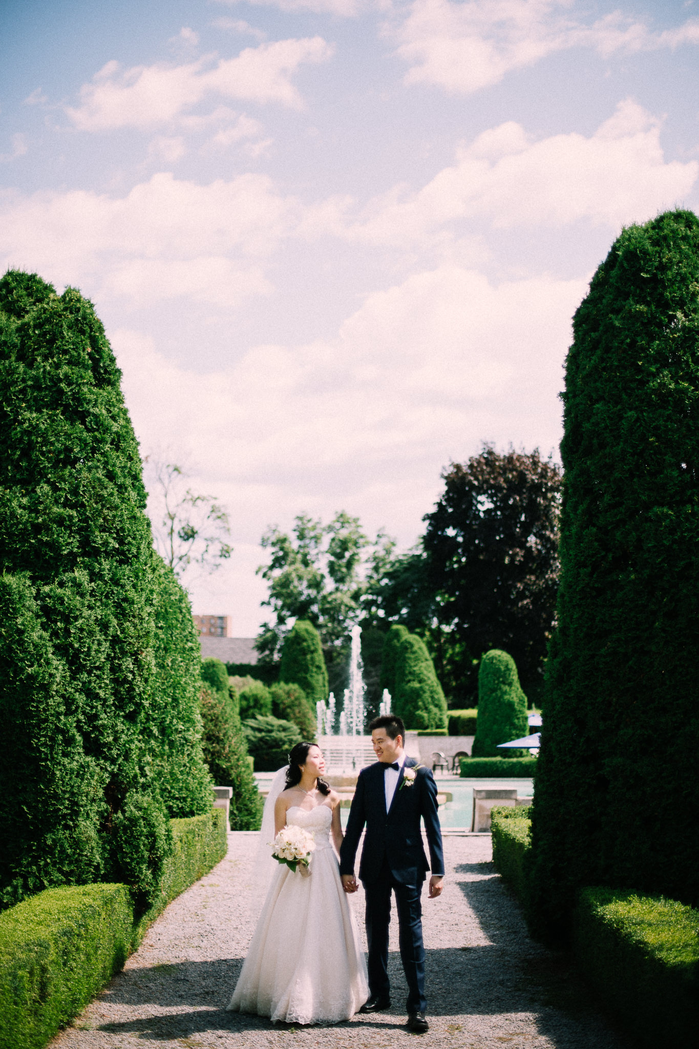 Oshawa summer wedding at Parkwood Estate by Max Wong Photo (29)