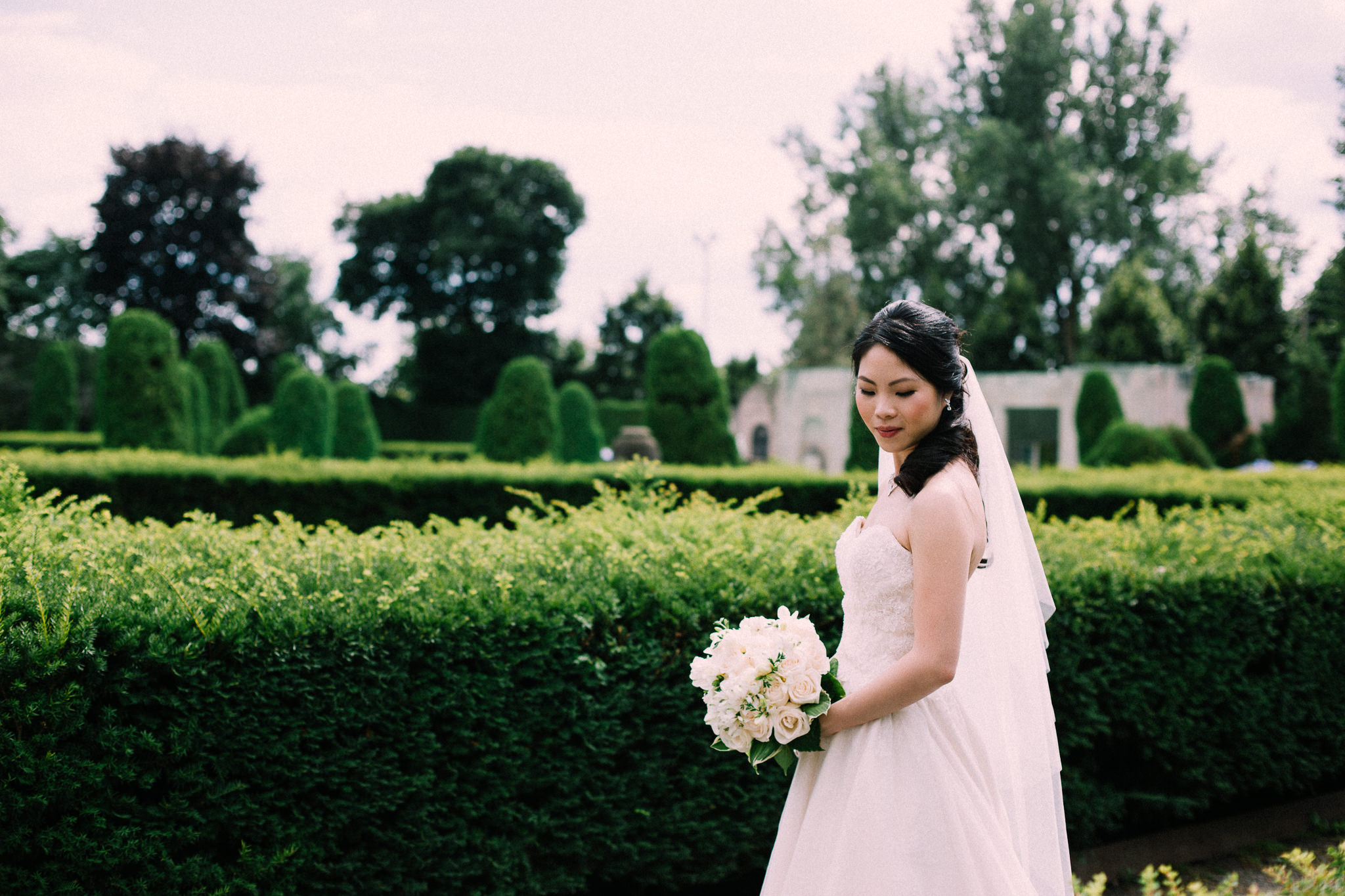 Oshawa summer wedding at Parkwood Estate by Max Wong Photo (30)