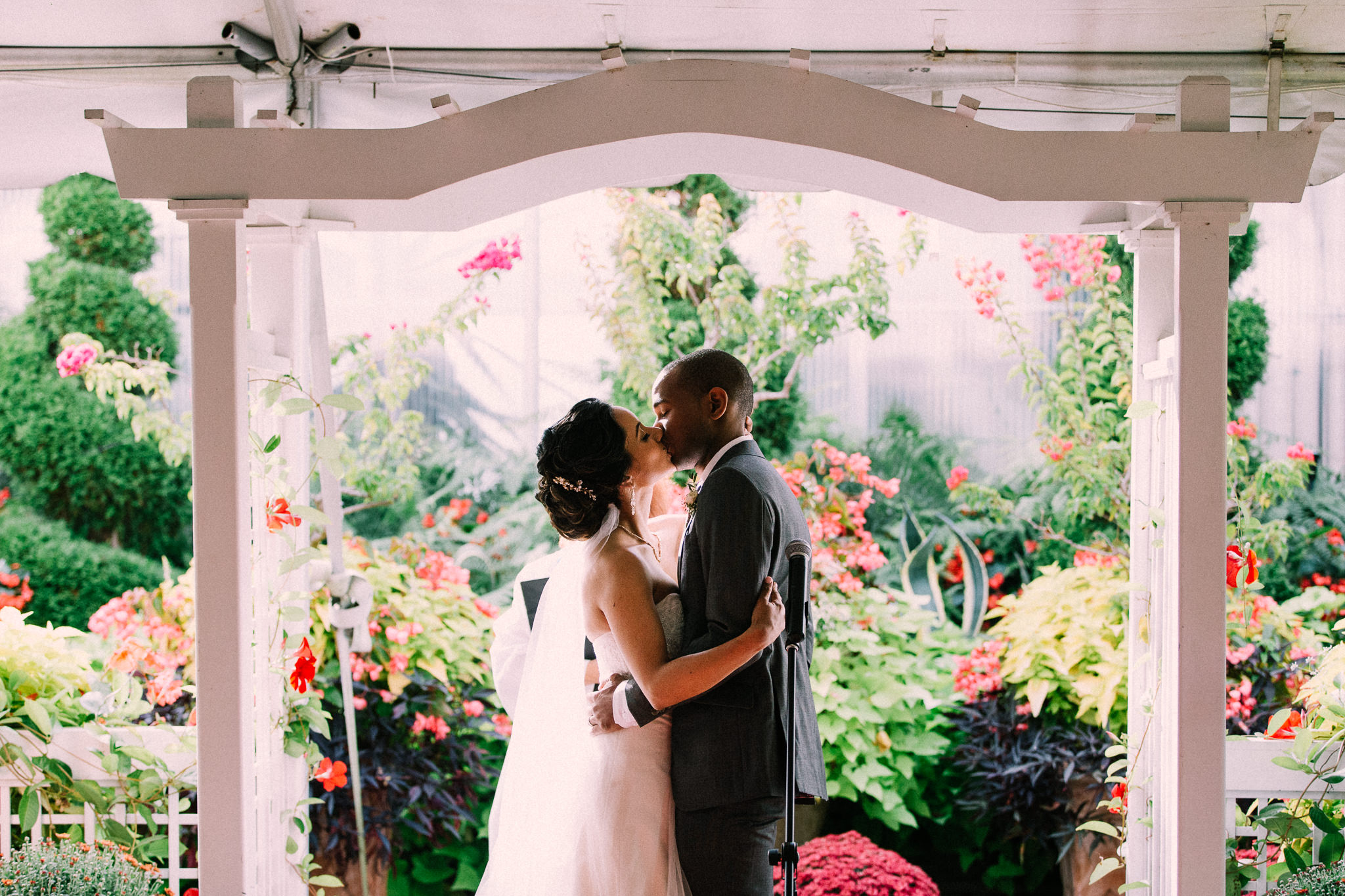 Burlington Fall wedding at Royal Botanical Gardens by Max Wong Photo (21)