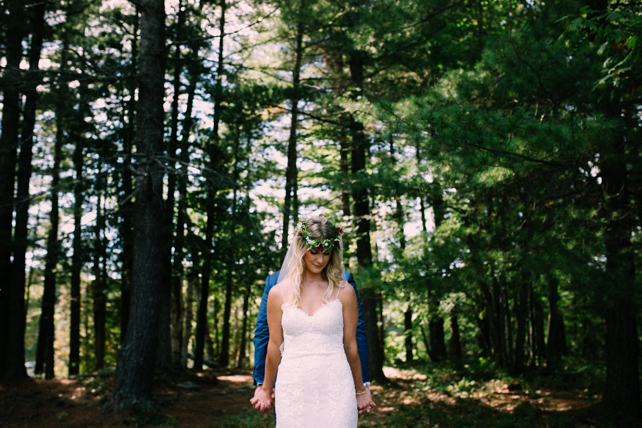 Muskoka lakeside wedding at Port Cunnington Lodge by Max Wong Photo (13)