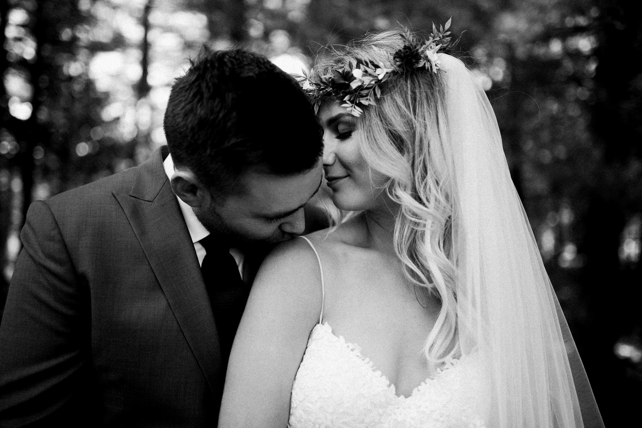 Muskoka lakeside wedding at Port Cunnington Lodge by Max Wong Photo (16)