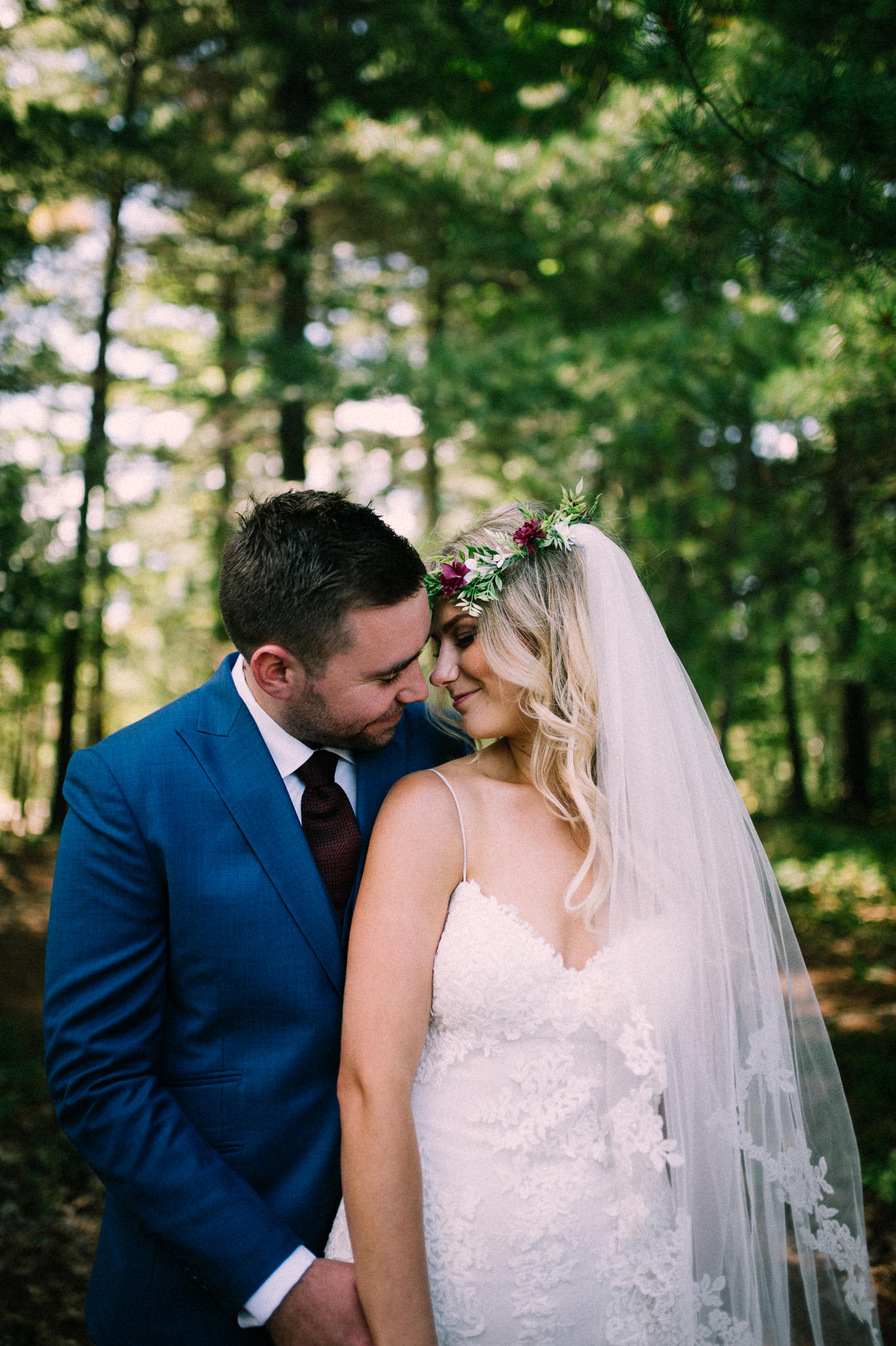 Muskoka lakeside wedding at Port Cunnington Lodge by Max Wong Photo (17)