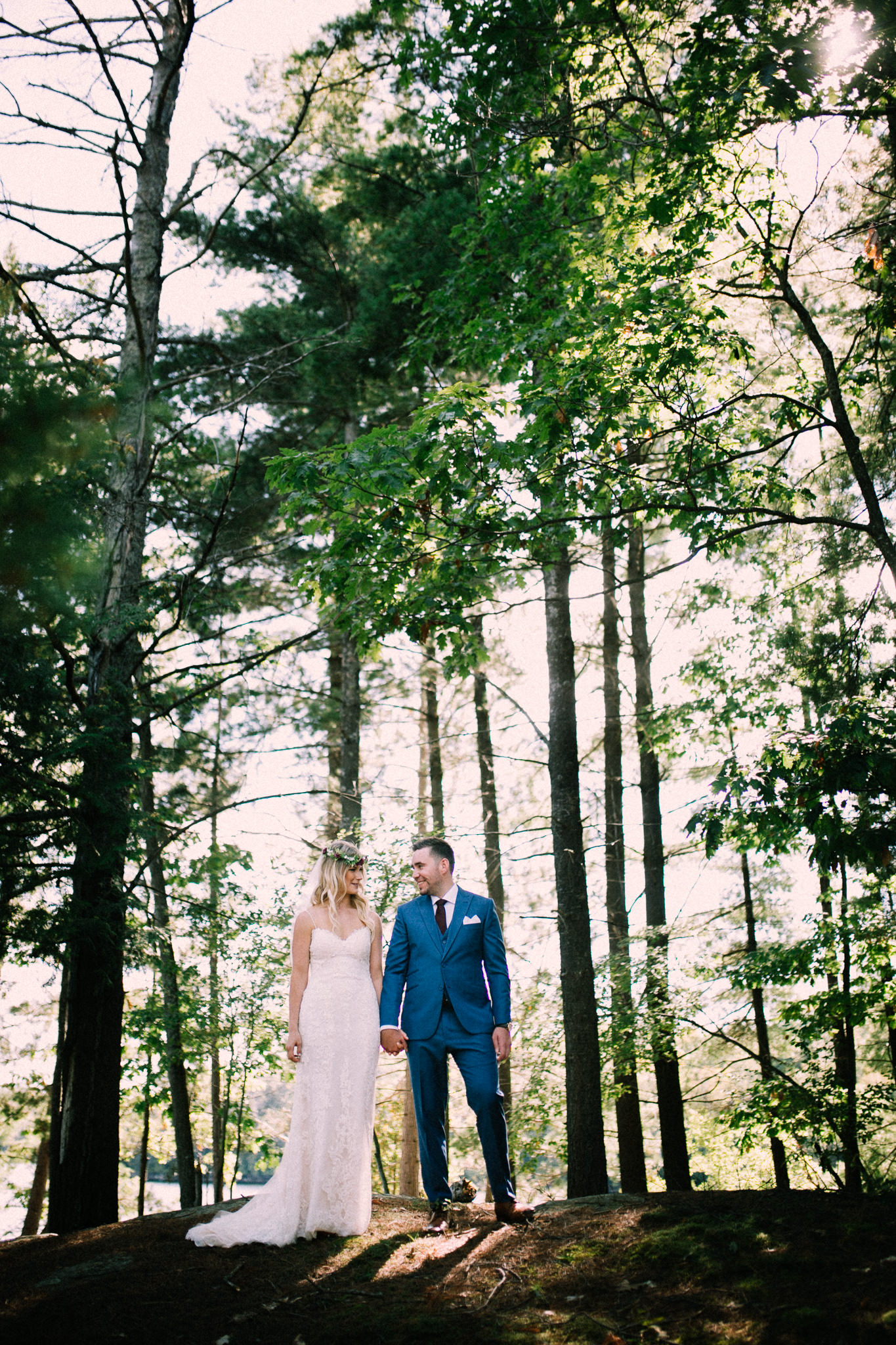 Muskoka lakeside wedding at Port Cunnington Lodge by Max Wong Photo (22)