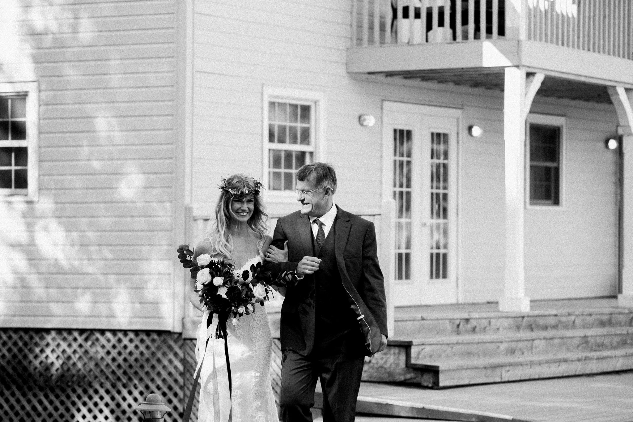 Muskoka lakeside wedding at Port Cunnington Lodge by Max Wong Photo (44)