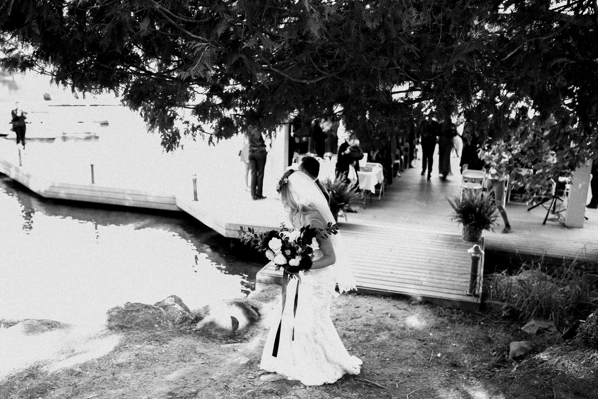 Muskoka lakeside wedding at Port Cunnington Lodge by Max Wong Photo (52)