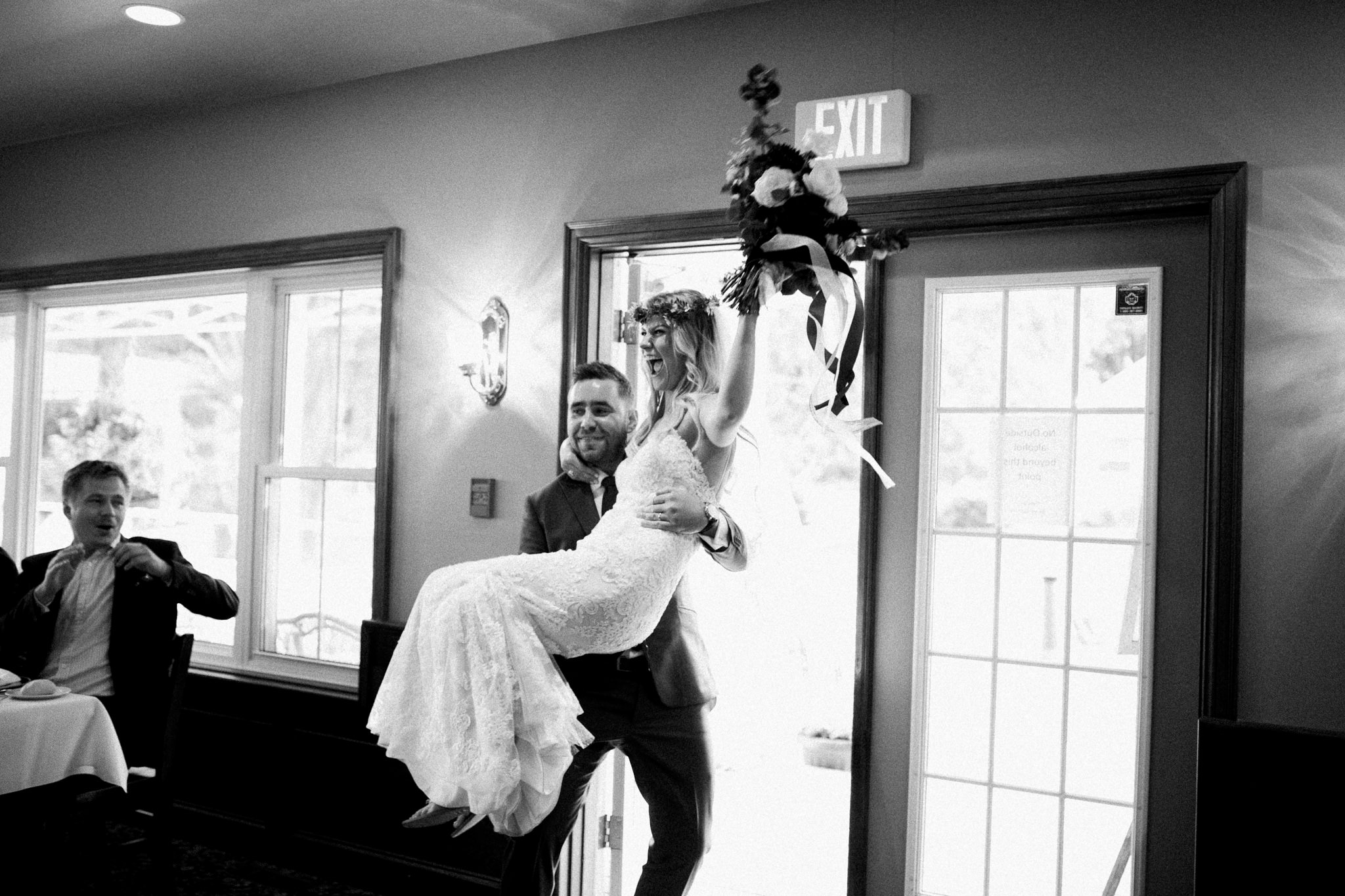 Muskoka lakeside wedding at Port Cunnington Lodge by Max Wong Photo (62)