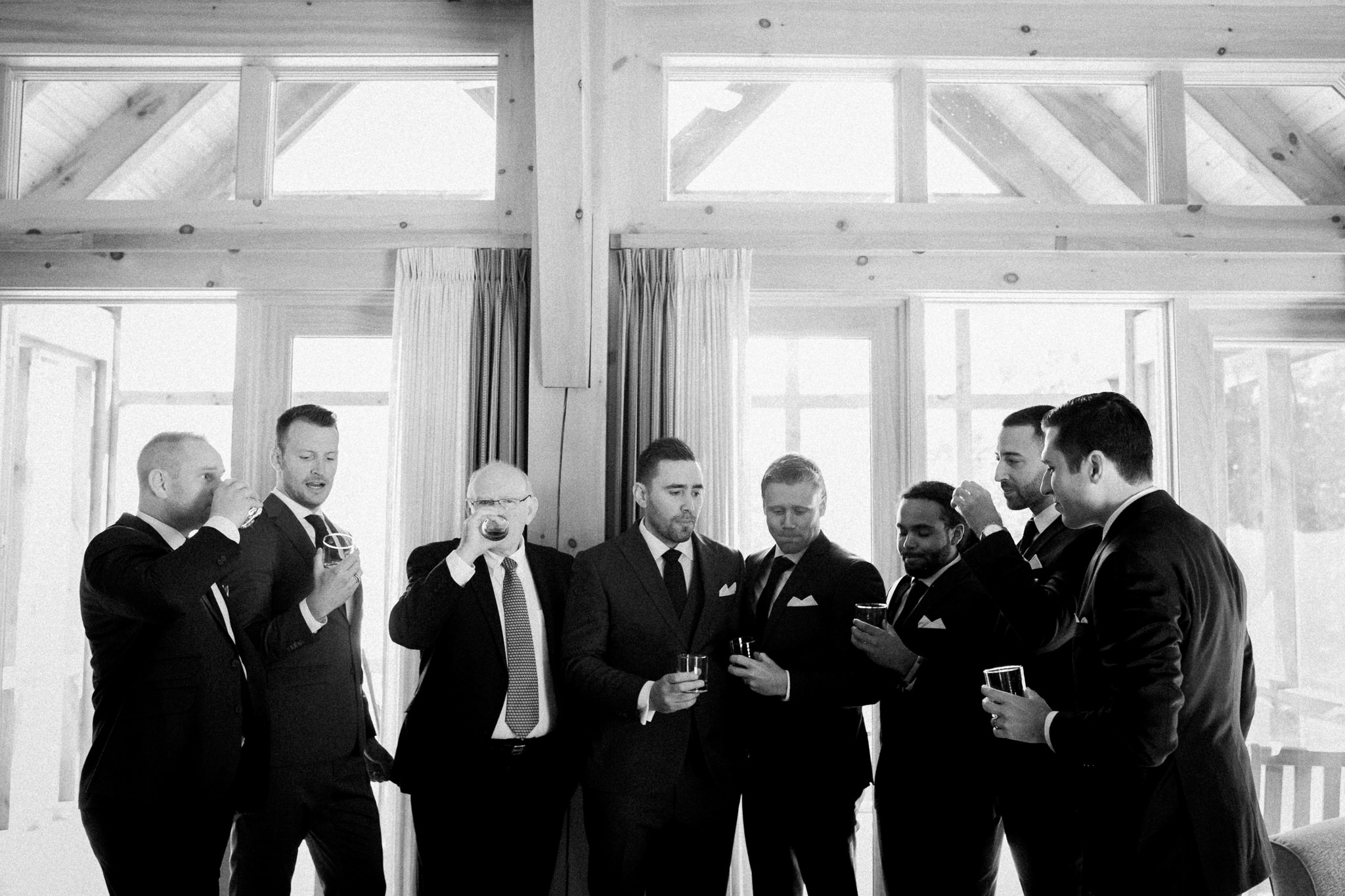 Muskoka lakeside wedding at Port Cunnington Lodge by Max Wong Photo (10)