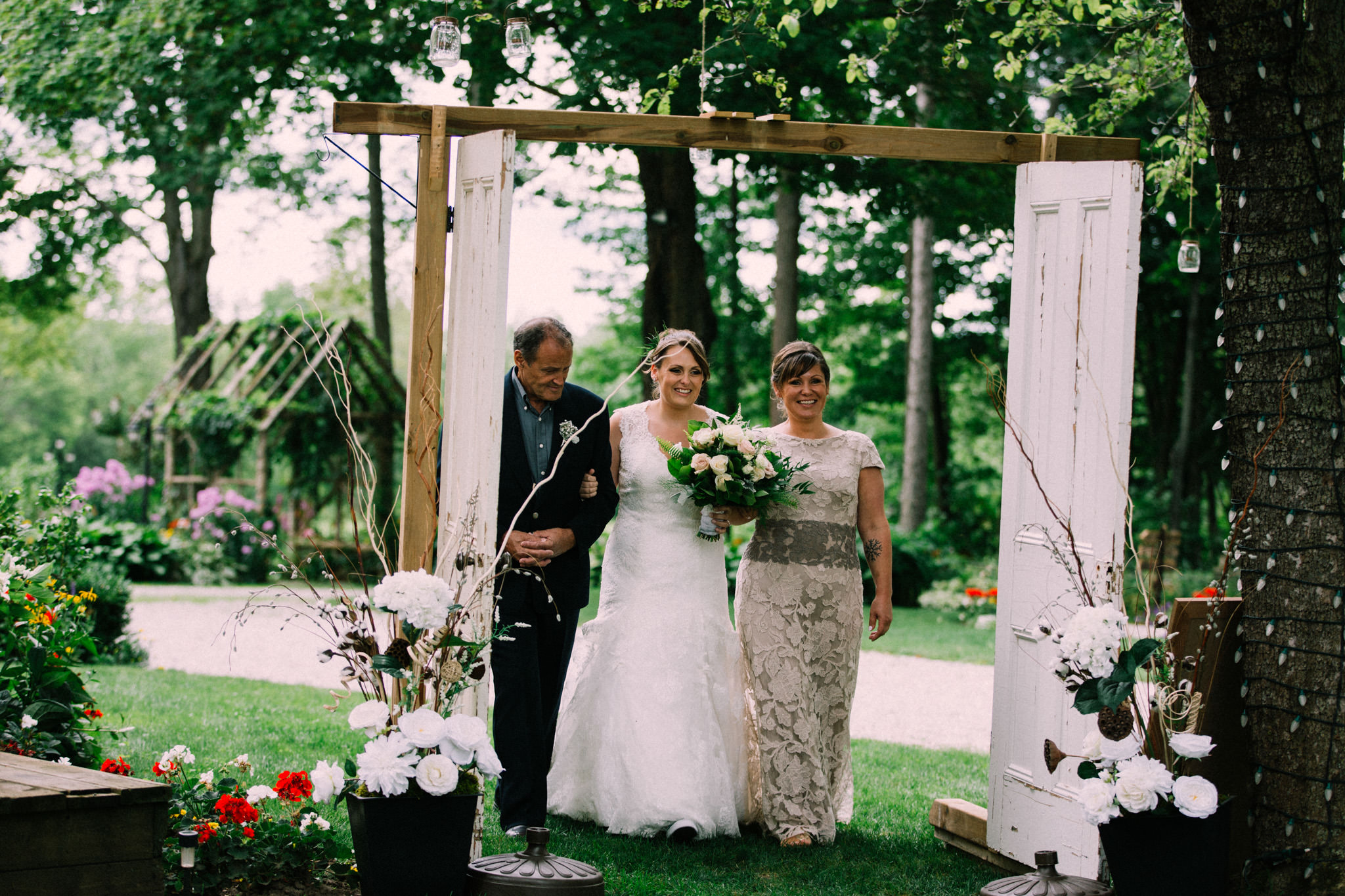 Orillia intimate outdoor wedding at Northbrook Farms by Max Wong Photo (30)