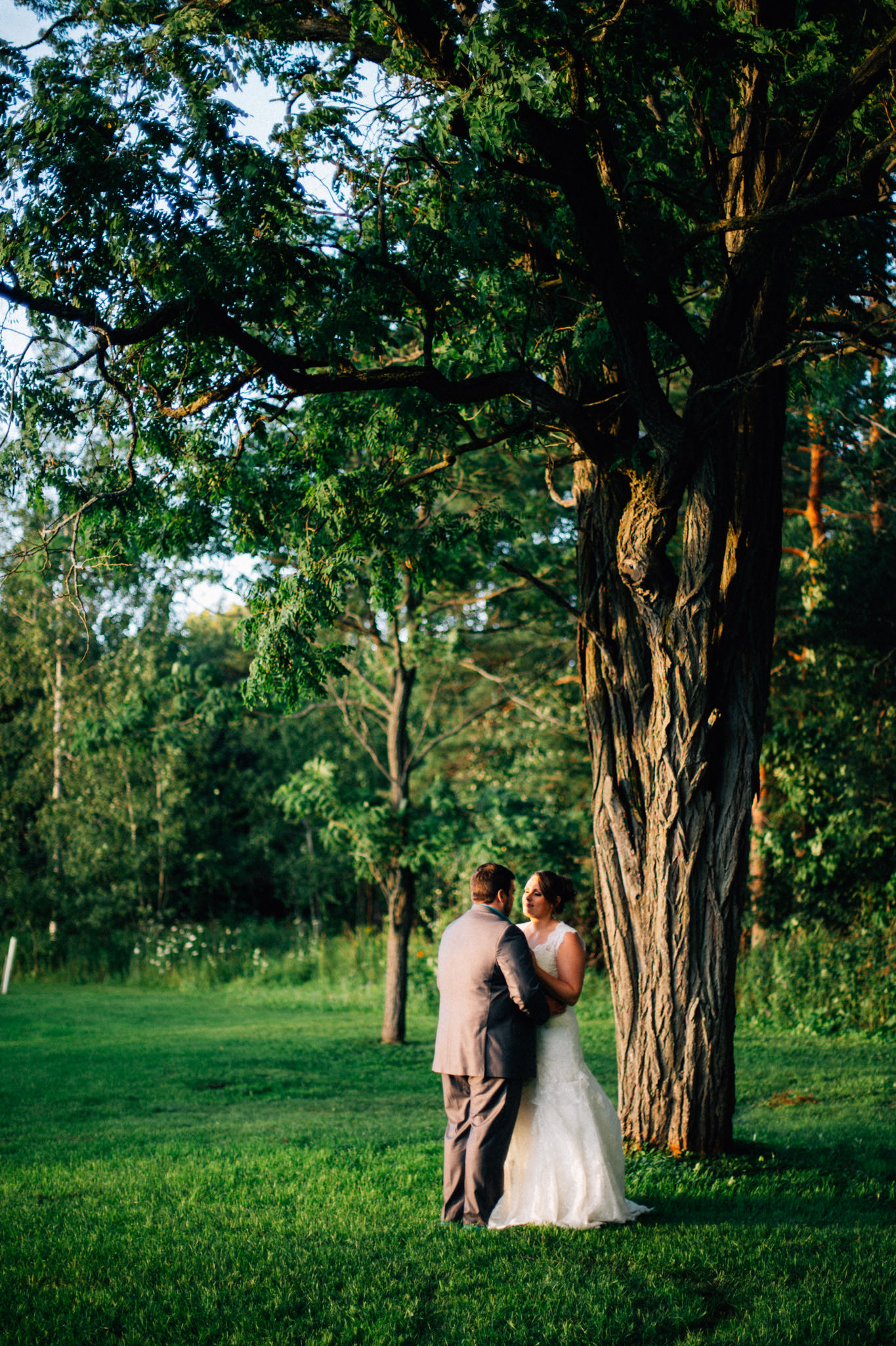 Orillia intimate outdoor wedding at Northbrook Farms by Max Wong Photo (49)