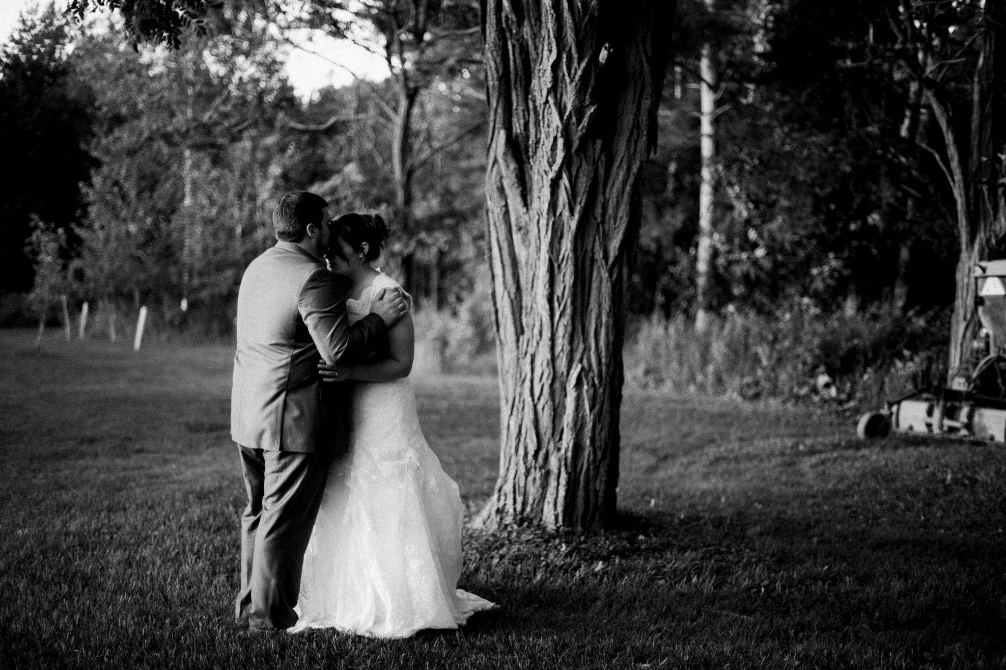Orillia intimate outdoor wedding at Northbrook Farms by Max Wong Photo (50)