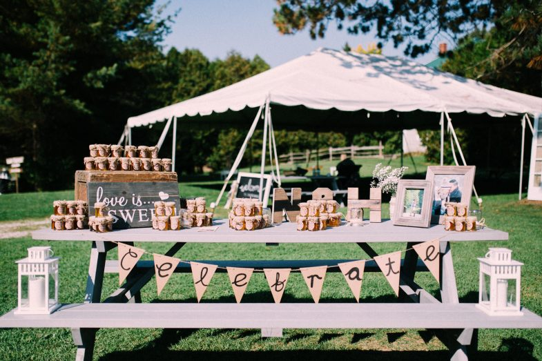 table decor for outdoor wedding