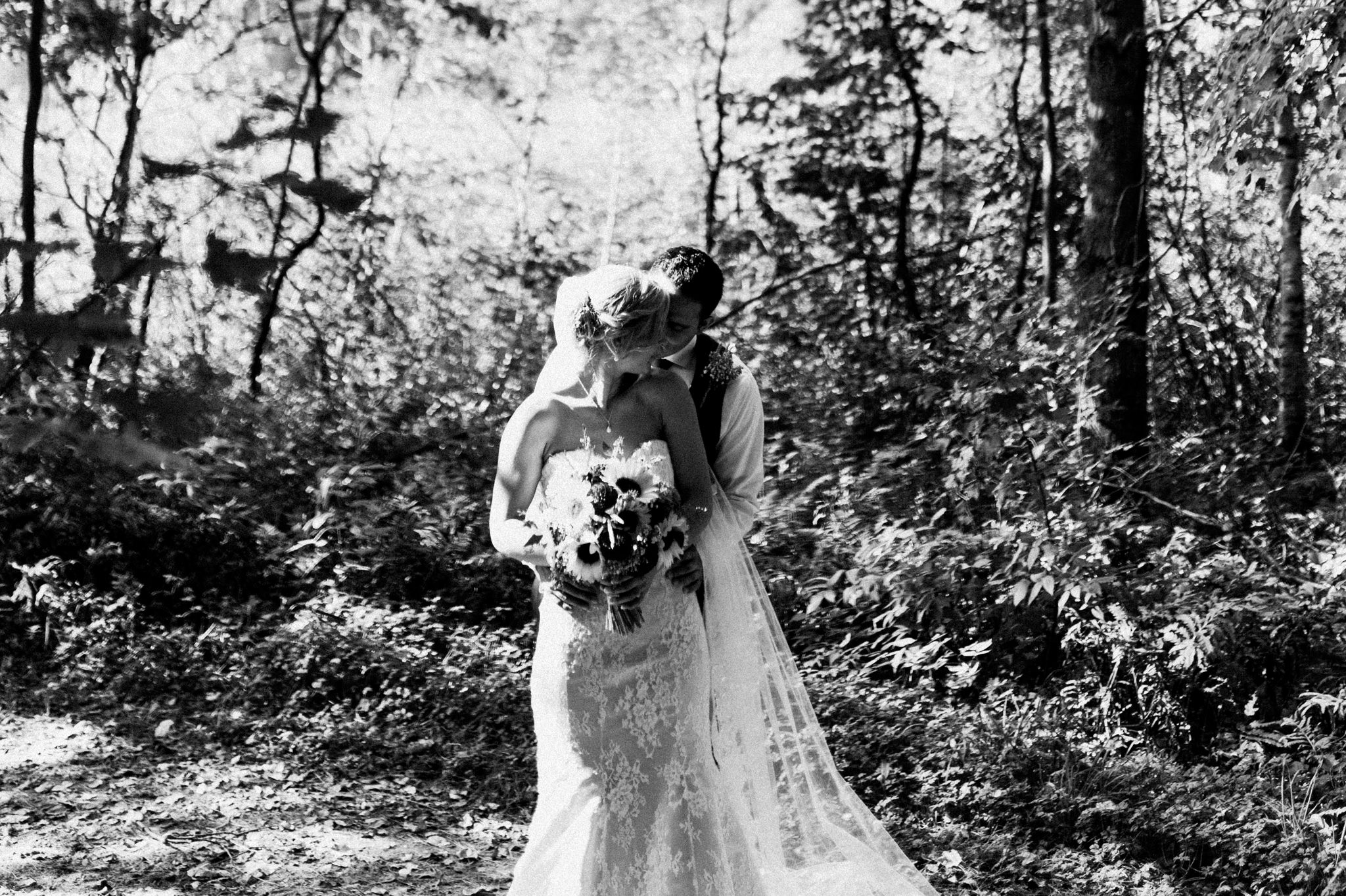 Muskoka rustic farm wedding at Brookland Farm by Max Wong Photo (29)