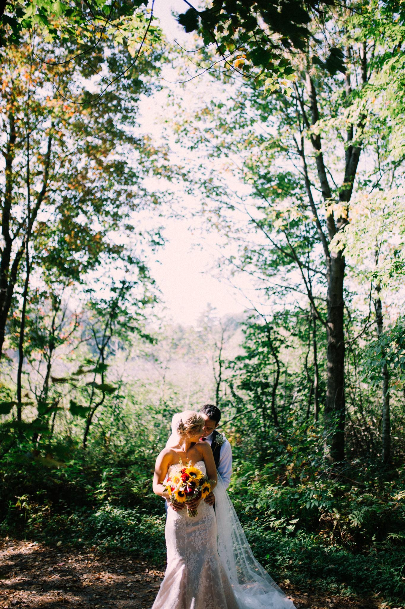 Muskoka rustic farm wedding at Brookland Farm by Max Wong Photo (30)